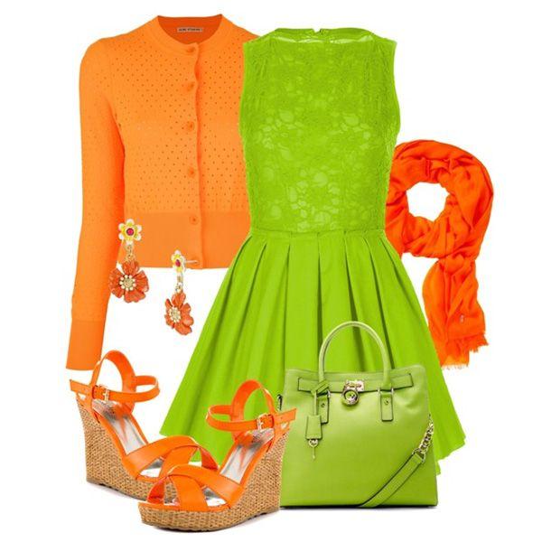 С чем носить оранжевые босоножки: салатовое платье, оранжевая кофта, ярко-зеленая сумка, яркие аксессуары