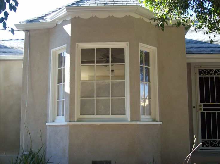 12 best images about exteriors on pinterest front doors for Most popular stucco colors