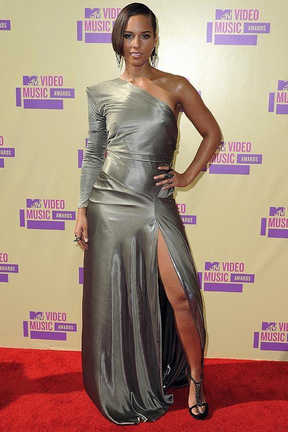 Alicia Keys, Rihanna, Miley Cyrus... Los 'looks' de la gala de los MTV VMA 2012 #RedCarpet #VMA