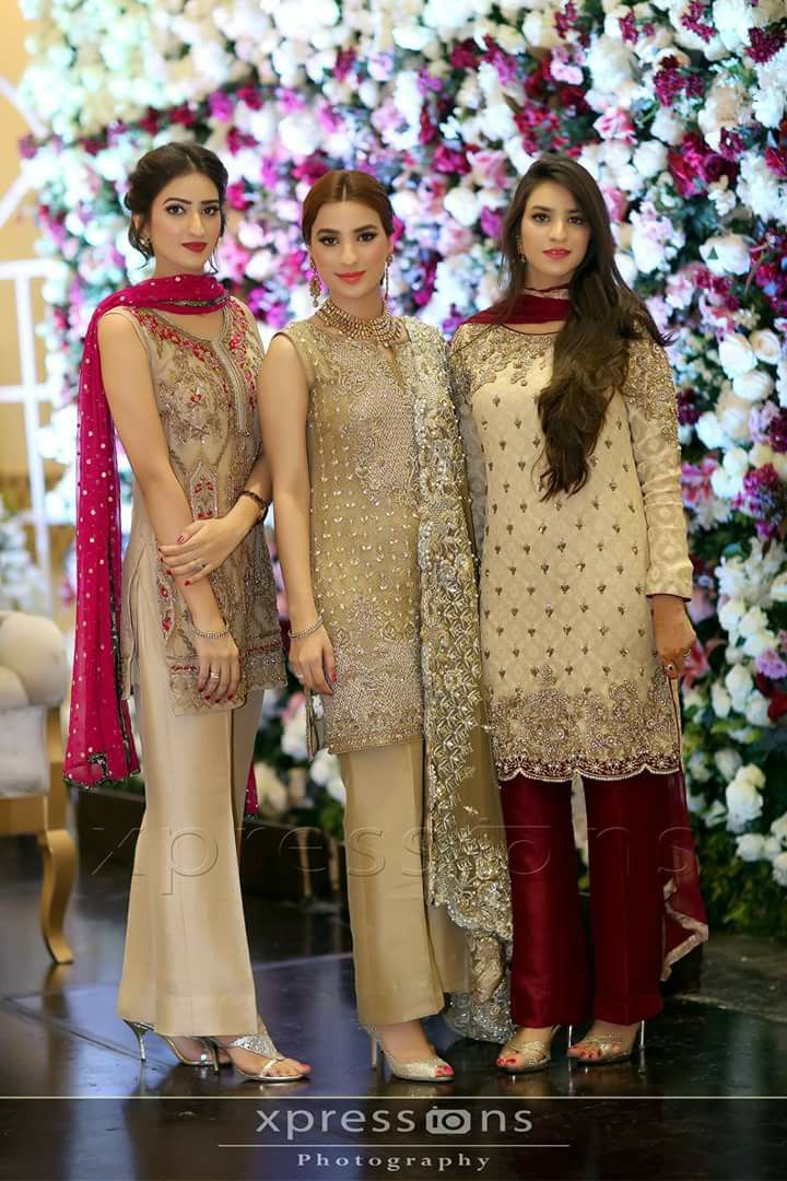 7839ad8248 Saved this bcz of the dupattas colour of the girl on left | fashion |  Pakistani dresses, Pakistani outfits, Fashion