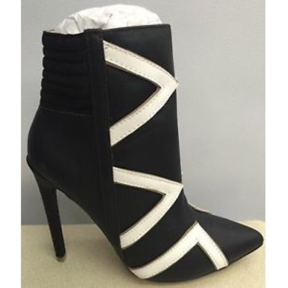 blank white high heel stiletto ankle boots nwt d