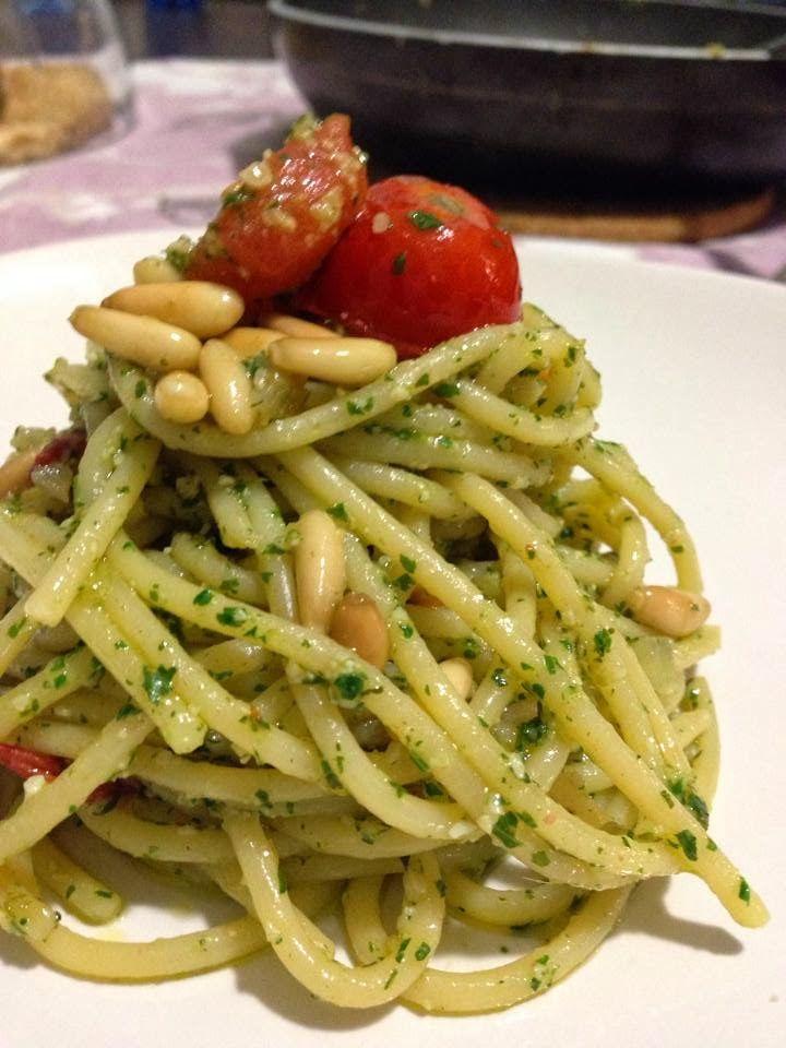 Senza Sale in Zucca: Spaghetti al pesto di prezzemolo, pinoli, limone e colatura di alici