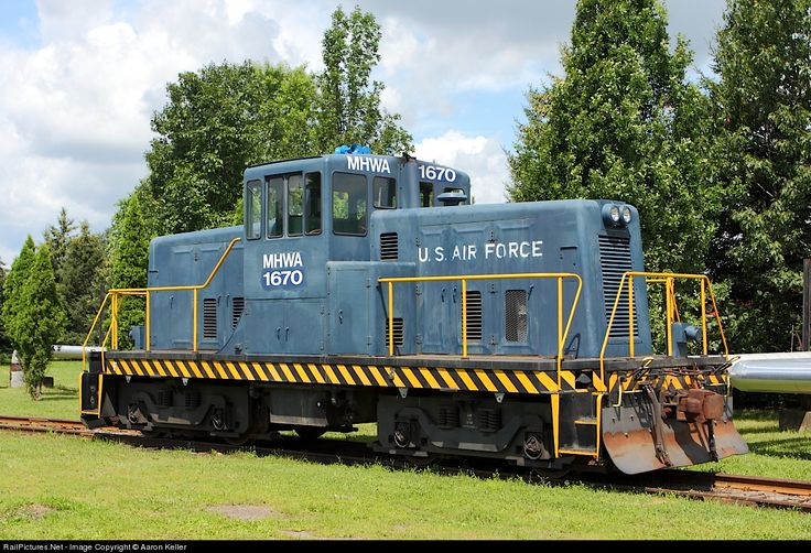 This GE 80-ton switcher formerly toiled for the Air Force in the same exact spot it now occasionally works for the MA&N. The location is the Griffiss Business & Technology Park, which is the latest reincarnation of the old Griffiss Air Force Base.