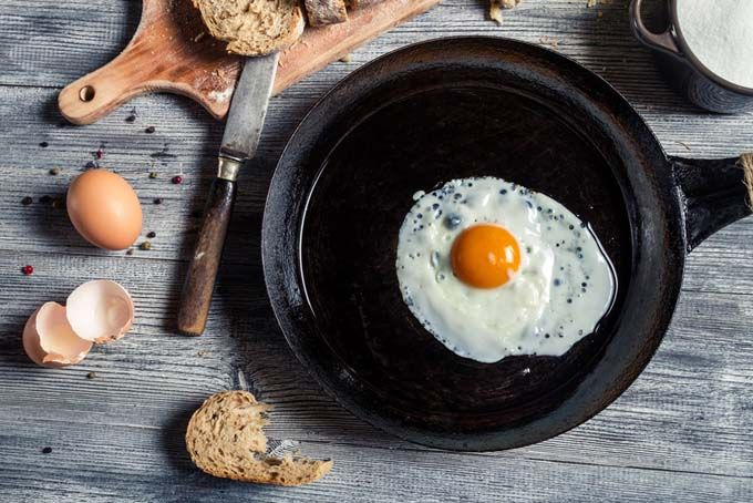 Cast Iron and Carbon Steel Skillets - Which is Better For Your Home Kitchen?