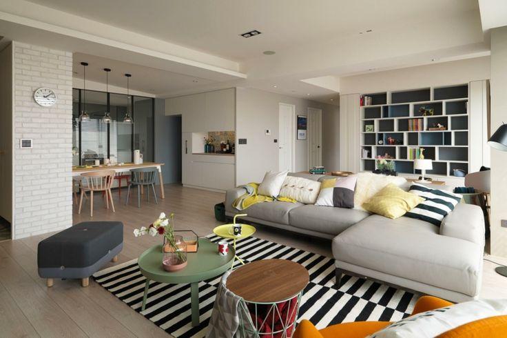 Caracterizado por paredes brancas, piso de madeira clara, pouca mobília e abundância de luz natural, a decoração de estilo nórdico tem am...