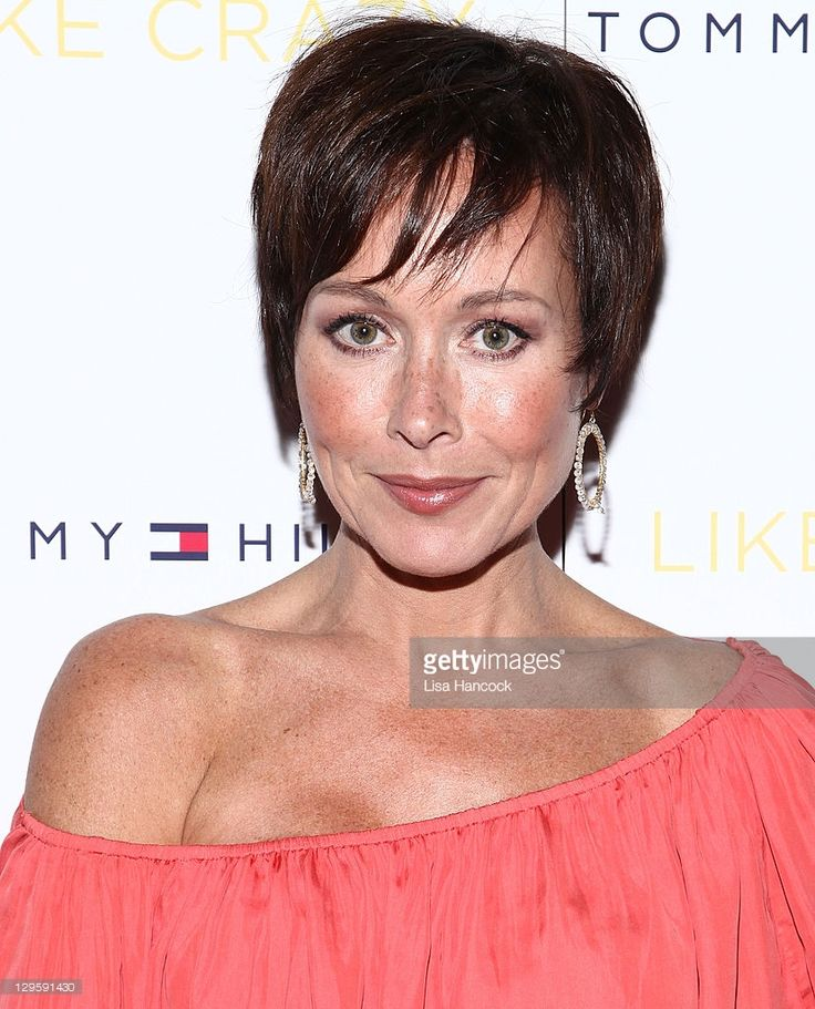 Amanda Mealing attends the 'Like Crazy' premiere at the Sunshine Landmark theater on October 18, 2011 in New York City.