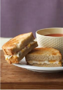 Spicy Grilled Cheese & Tomato Soup Combo – Take the chill off the ...