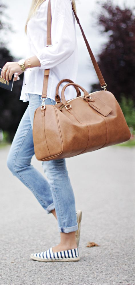 White Shirt | Light blue skinny jeans | Stripes Espadrilles | Brown leather holdall | Gold Watch