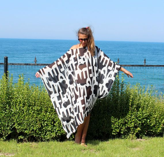 Maxi Oversized Plus size Black and White by cherryblossomsdress, $79.00