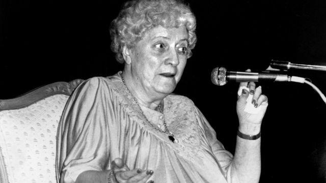 Doris Stokes  www.markbeaumont.com
