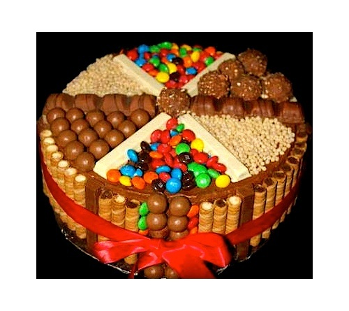 https://www.facebook.com/leovandesign Smarties Cake!