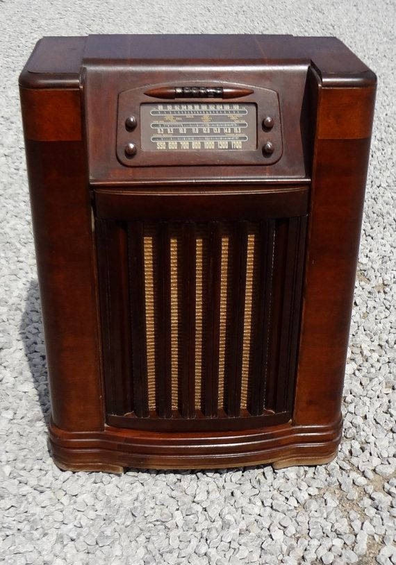 Vintage Philco Console Radio Record Player by TheDooWopShop, $100.00