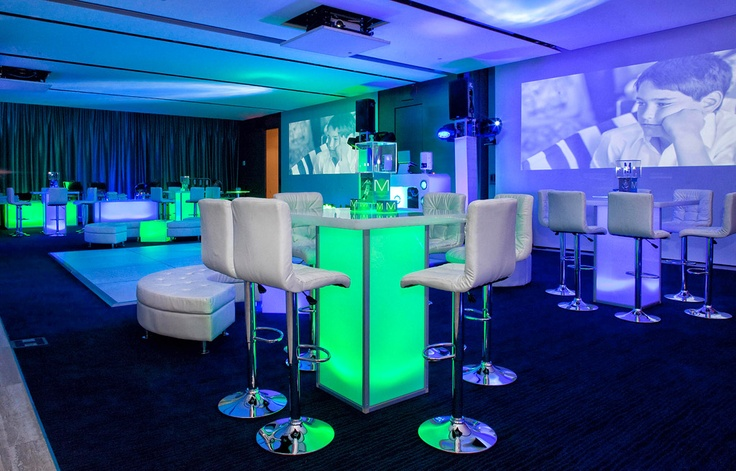 Great modern bar mitzvah decor © Michael Jurick