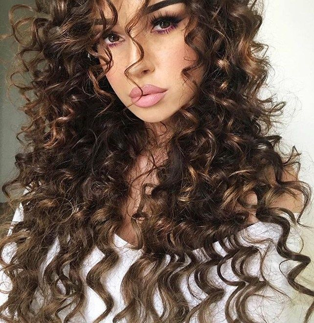 Easy Curly Hairstyles And Haircuts To Fulfill Your Fashion