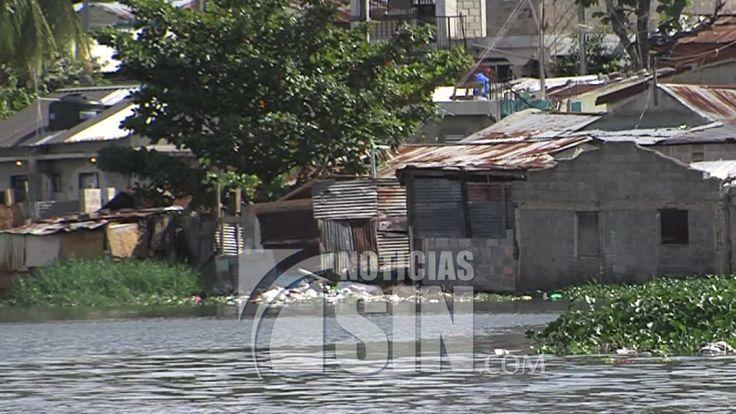 Expectativas entre moradores sobre desalojo de mil 400 viviendas de la ribera del Río Ozama