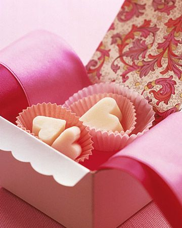 who wouldn't love these creamy fudge hearts for Valentine's Day