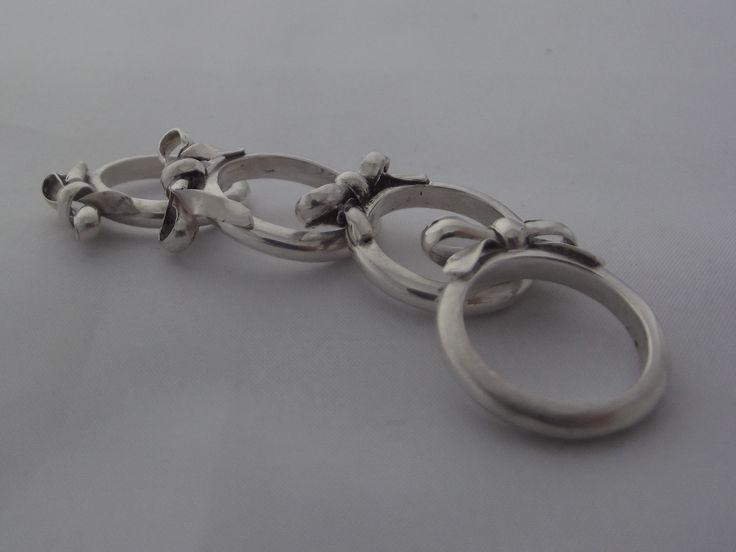 4 handgemaakte ringen in zilver met strik