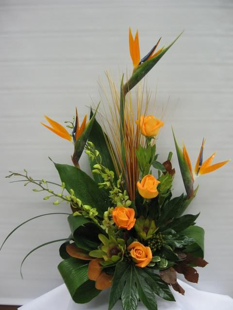 tropical floral arangements | SY45 - Tropical Memories