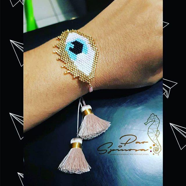 55f48aa66e22 Pulsera ojo turco elaborada a mano por artesanos mexicanos en cristal  japonés  miyuki  manosartesanas  porpedido  loqueestademoda  fashionjewerly