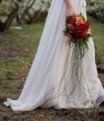 Autumn trailing bridal bouquet