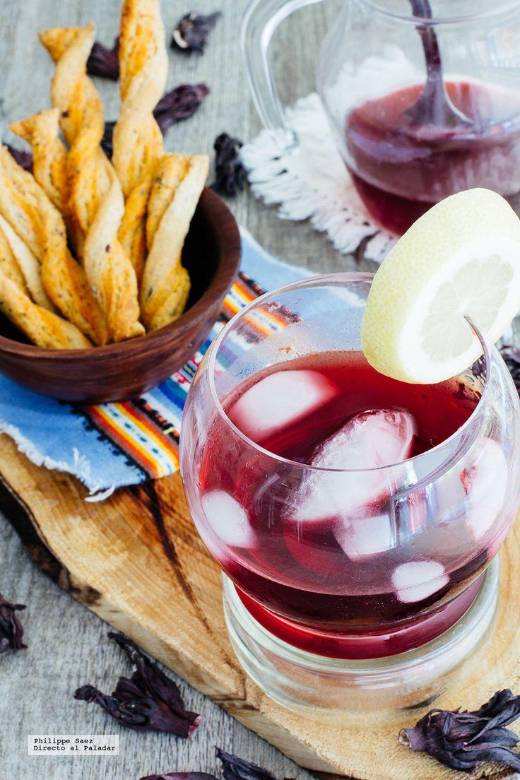 Coctel de mezcal y Jamaica. Receta de bebida mexicana con fotografías de la preparación y recomnedaciones de cómo servirlas. Recetas de cocteles mexicanos