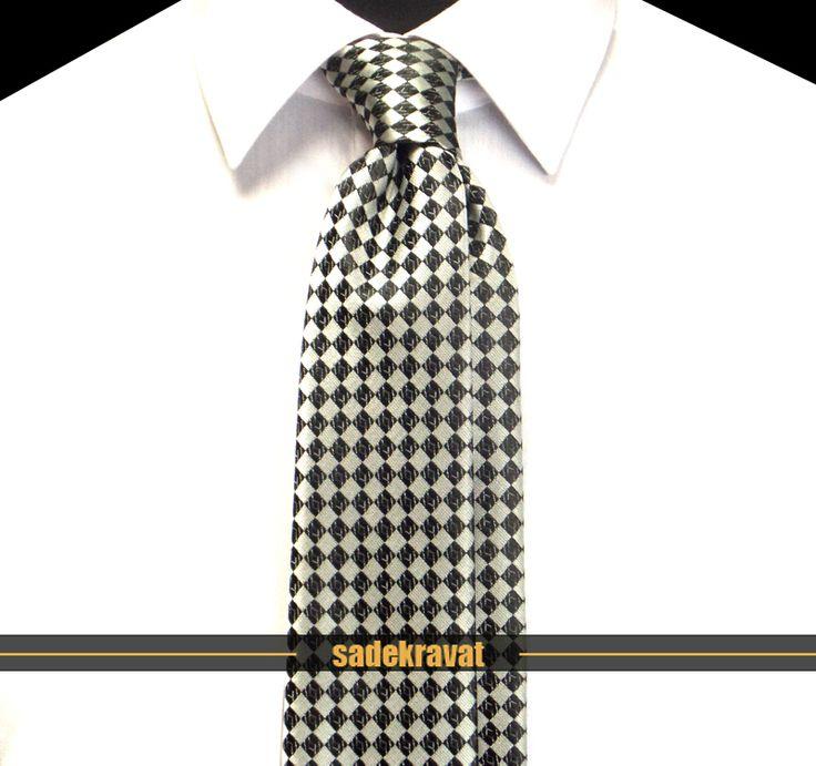 Siyah Gri Kareli Orta İnce Kravat 4541 7 cm. Orta İnce Stil... www.sadekravat.com/siyah-gri-ekose-orta-ince-kravat-4541 #kravat #kravatım #kravatlar #kravatmodelleri #2015kravat #erkekaksesuar #erkekmoda #ofis #örgükravat #yünkravat #ketenkravat #incekravat #ipekkravat #slimkravat #kravatmendilkombin #çizgilikravat #düzkravat #ekoselikravat #sadekravat #gömlek #ceket #mendil #kapıdaödeme #havale - #tie…