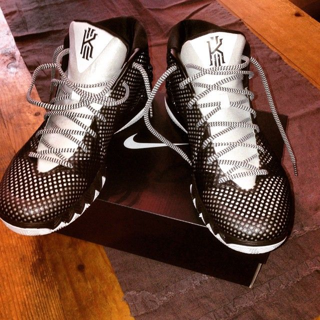 kyrie irving basketball shoes where to get foamposites