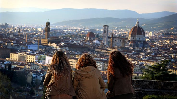 36 Hours in Florence (NYT 9/2014) See the skyline without battling crowds, sample pastries from a secret gem, sip artisanal beers and soak up culture during a weekend in the Tuscan capital.