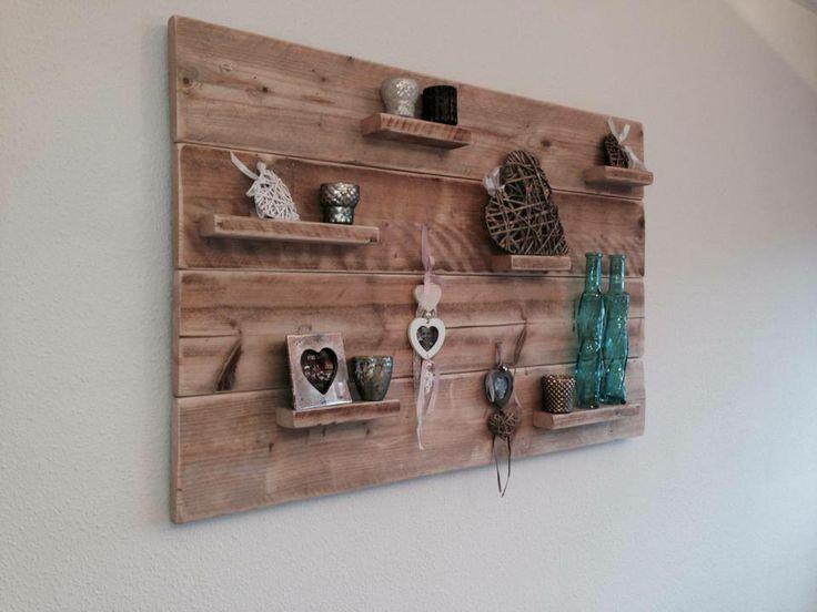 Steigerhout aan de muur.
