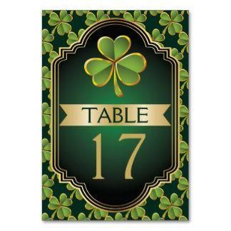 Le mariage irlandais d'or et de trèfle de vert