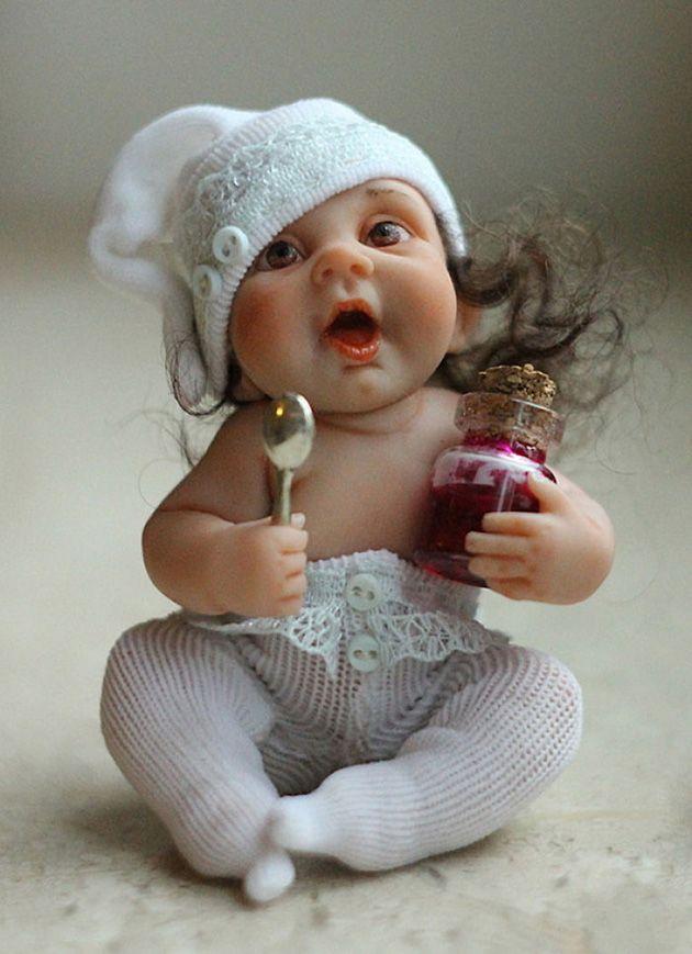 Realistic baby dolls by Russian artist Elena Kirilenko: