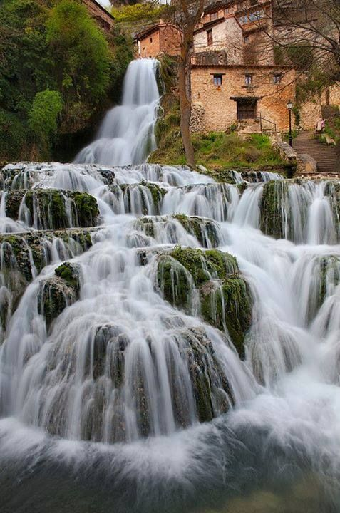 Cascada de Orbaneja del Castillo, Spain https://www.facebook.com/144196109068278/photos/pb.144196109068278.-2207520000.1419074179./206401056181116/?type=3&theater
