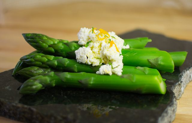Asparagus with ricotta | recipes | Pinterest