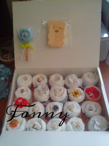 Scatola di cupcakes di pannolini