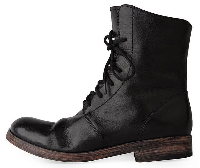La Garconne: The Garconn, Ugg Boots, Fashion Culture, Black Boots, Fields Boots, Cheap Boots, Boots Style, Contemporary Sylvia, About Men SのFashion
