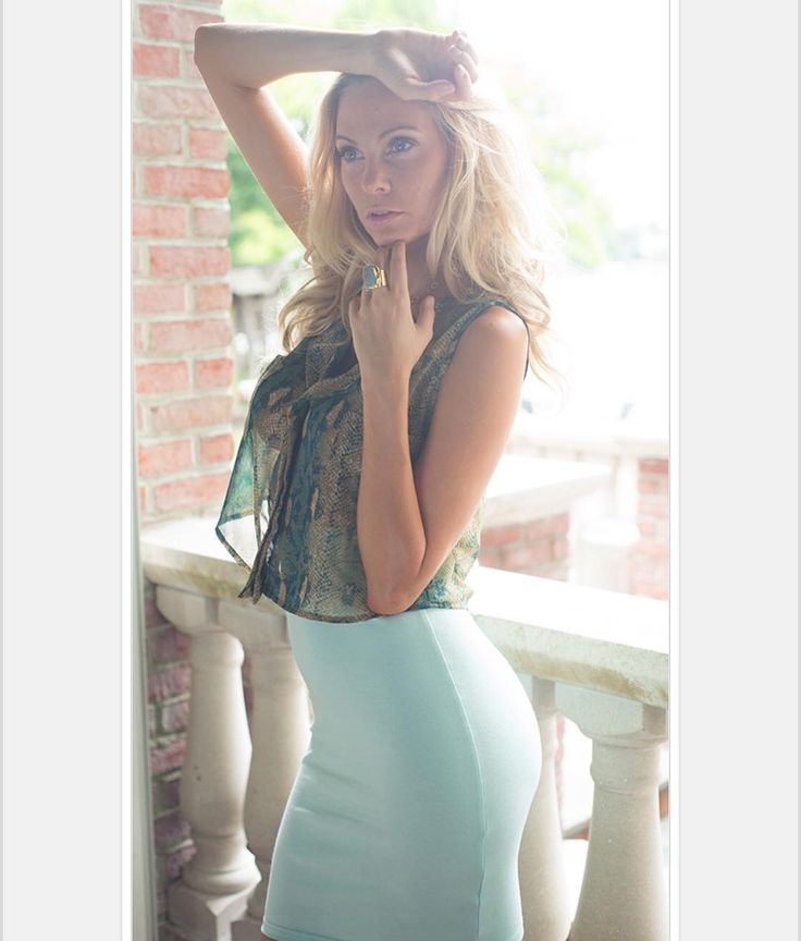 Micro Crop Top $42 Mint Pencil Skirt $38 #ShirlClarkCollection #ShirlClark #LuxurySwimwear #ResortWear #MonroeCollection #TrunkShows #TheSignatureTan #StyledbyShirlClark #Throwback #FiftiesStyle #SixtiesStyle #Monroe #Marilyn #MarilynMonroe #SwimWear #ResortLifestyle #bikini #beautiful #lifestyle #Resort #fashion #style #poolside #ShopLocal @ShirlClarkCollection  www.ShirlClark.com