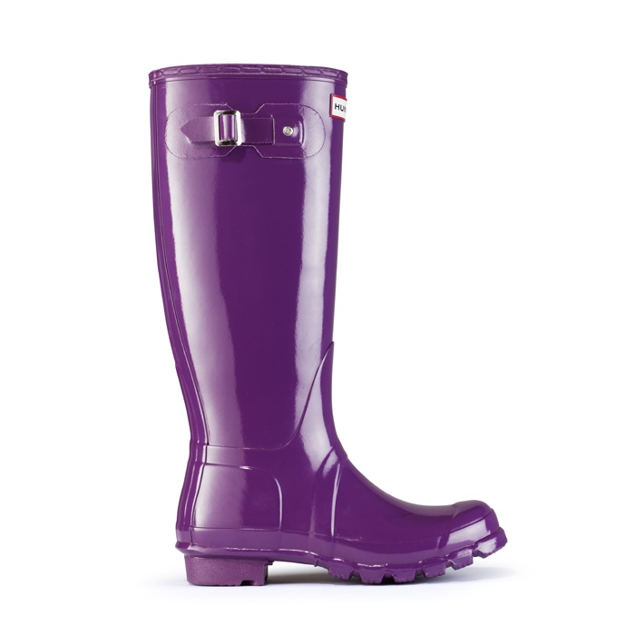 glossy purple rain boots! now if only i needed them...