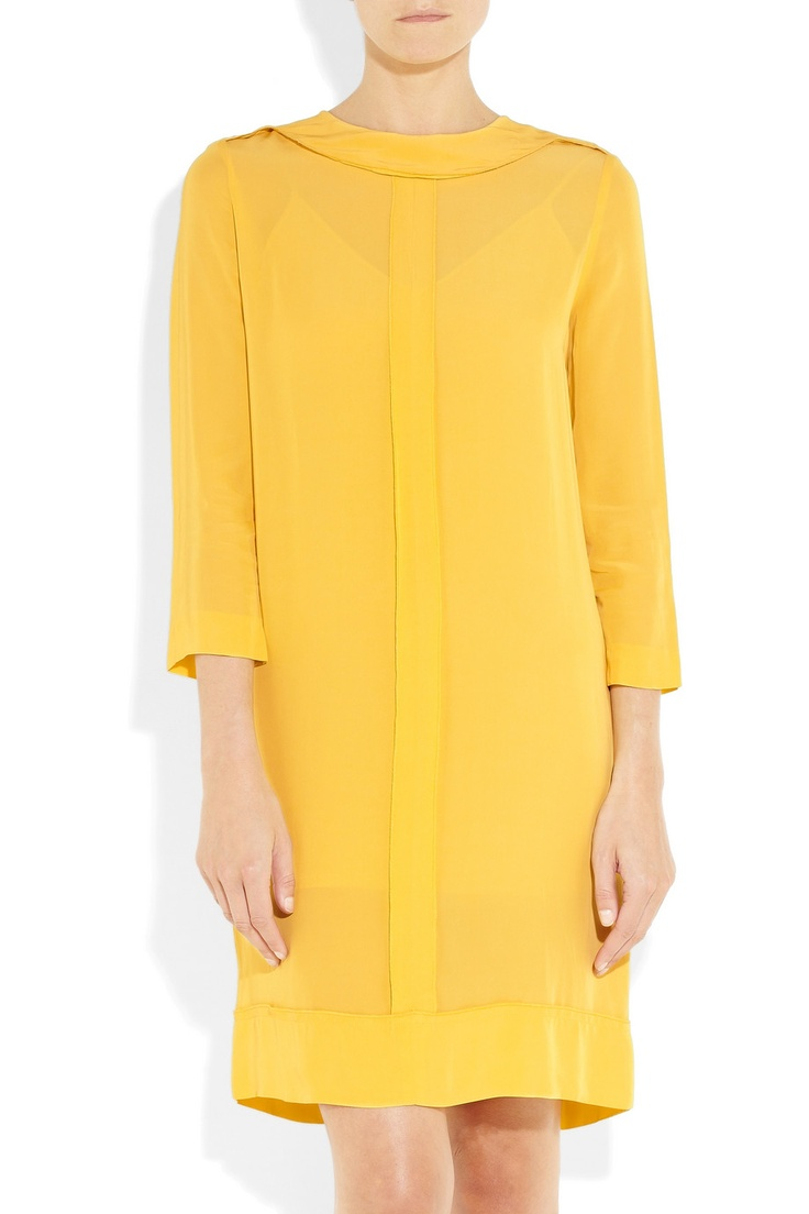 Wow. Love this #victoriabyvictoriabeckham frock. Perfect for the office!