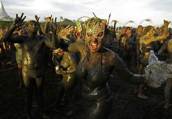 Bloco da Lama Paraty (Mud Carnival in Paraty)