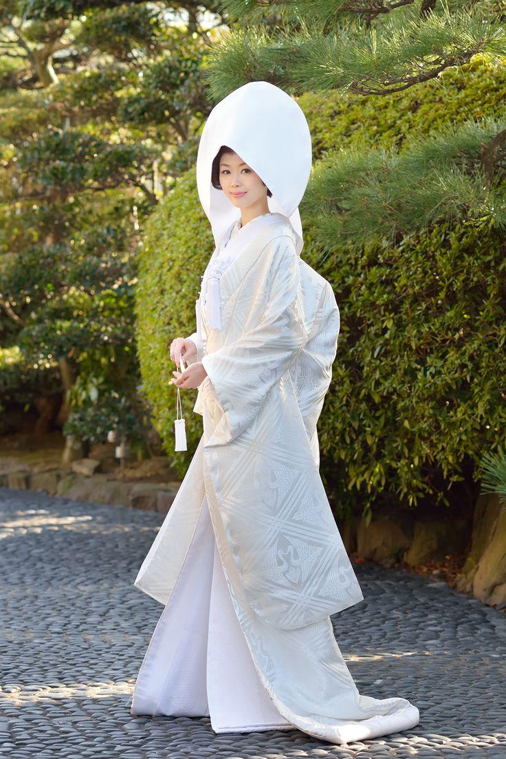 Japanese woman dress - http://richieast.com/                                                                                                                                                                                 More