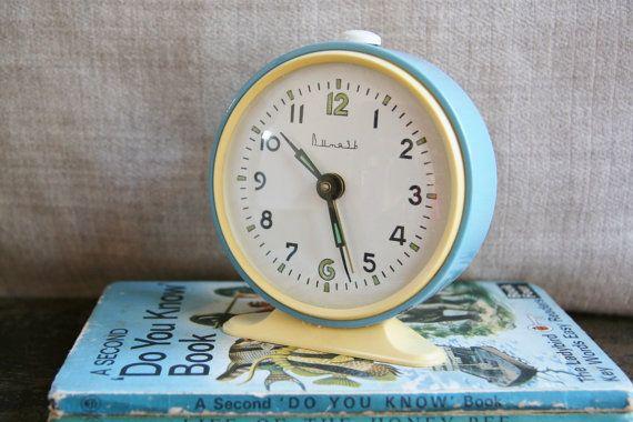 vintage-vitjaz-soviet-alarm-clock_Australian seller