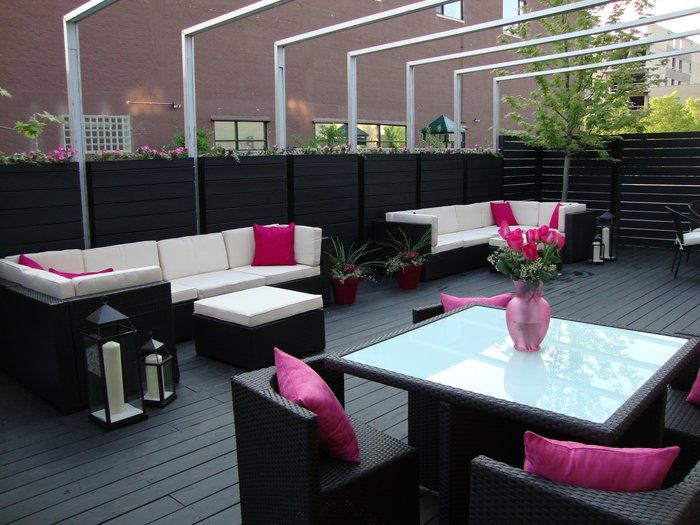 Flirty Girl Fitness - Chicago, IL, United States. Outdoor Patio