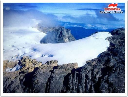 Snow, Puncak Jaya, Papua