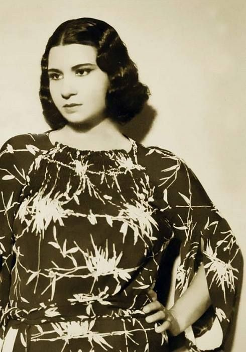 ام كلثوم فى شاببها Egyptian Actress Arab Celebrities Umm Kulthum