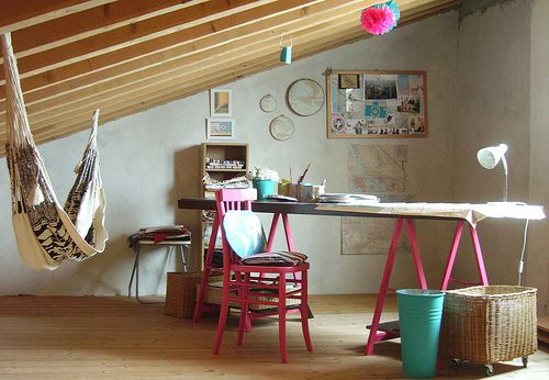 Why I don't have an attic with a hammock? #ohlifeStudios Spaces, Art Studios, Indoor Hammocks, Attic Spaces, Offices Spaces, Crafts Room, Work Spaces, Workspaces, Home Offices