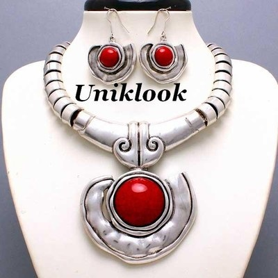 Chunky Western Antique Silver Red Accent FASHION Jewelry Necklace Earrings Set: Antiques Silver, Chunky Westerns, Bibs Jewelry, Accent Bibs, Fashion Jewelry Necklaces, Earrings Sets, Accent Fashion, Red Accent, Bibs Necklaces