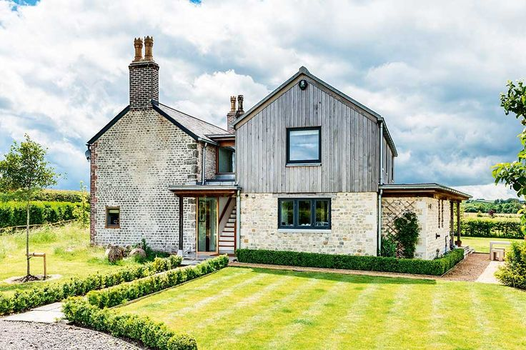 Andrew and Lucy Thompson have doubled the size of their run-down cottage with a complimentary contemporary-style extension designed by CaSA Architects