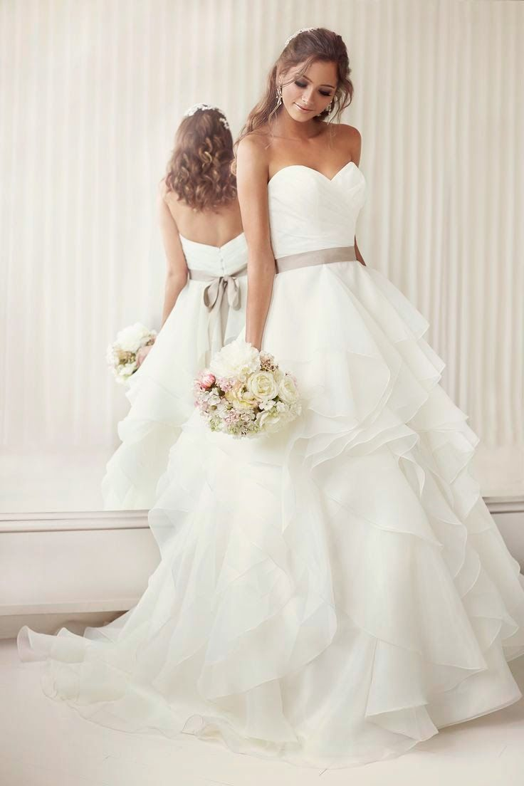 Elegantly Crafted Essense of Australia Wedding Dresses fashion inspiration and dreams of every girl