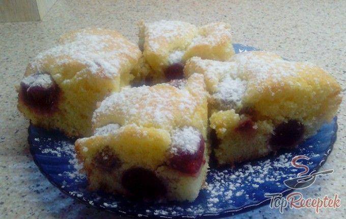 Puha cseresznyés sütemény | TopReceptek.hu