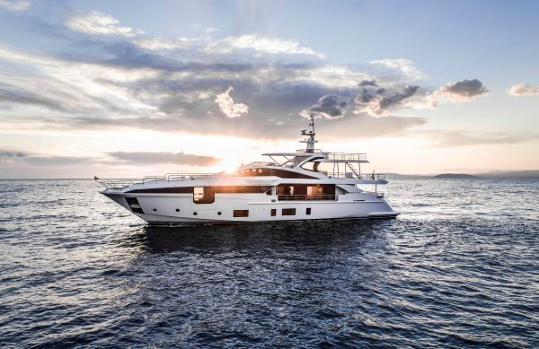 Overmarine S Mangusta 165 Boosting The Fun Factor Yachts